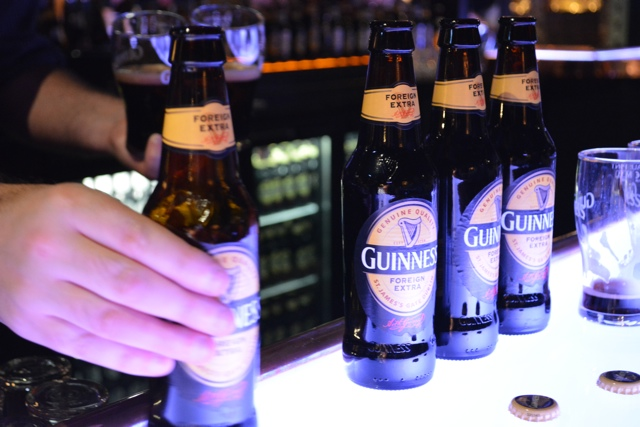 tasty guinness foreign extra stout at the guinness storehouse - how to pour the perfect guinness