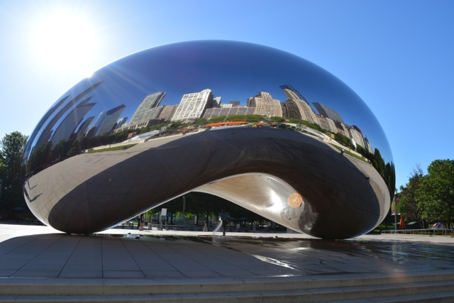 chicago bean cloud gate at millenium park - chicago in a minute