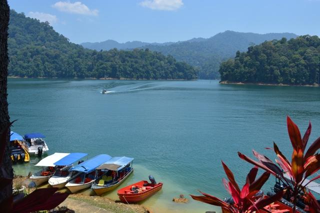 Lake Kenyir in Terengganu, Malaysia - Learning How to Squid Jig in Malaysia