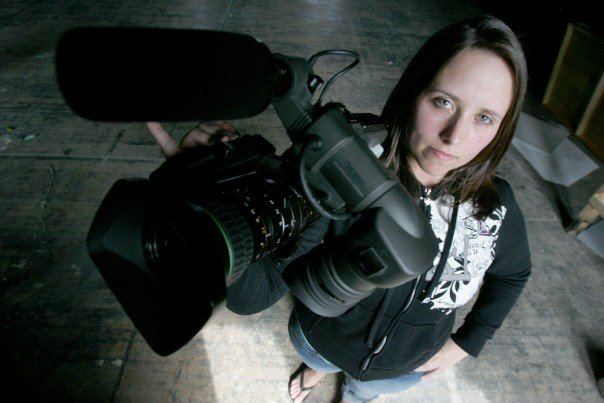 Cailin with Camera for the Daily News - Travel Video Blogging Course for Beginners #Review