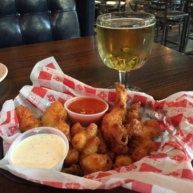 the best deep fried cheese curds in Milwaukee - Cheese, Beer, BlogHouse Milwaukee