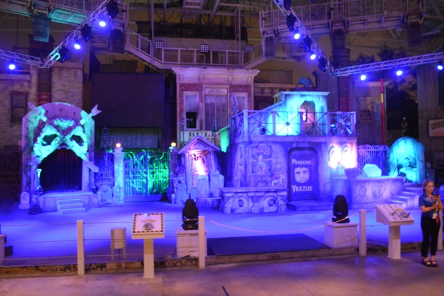 Bill and Ted's Excellent Halloween Adventure - Halloween Horror Nights at Universal Orlando Resorts
