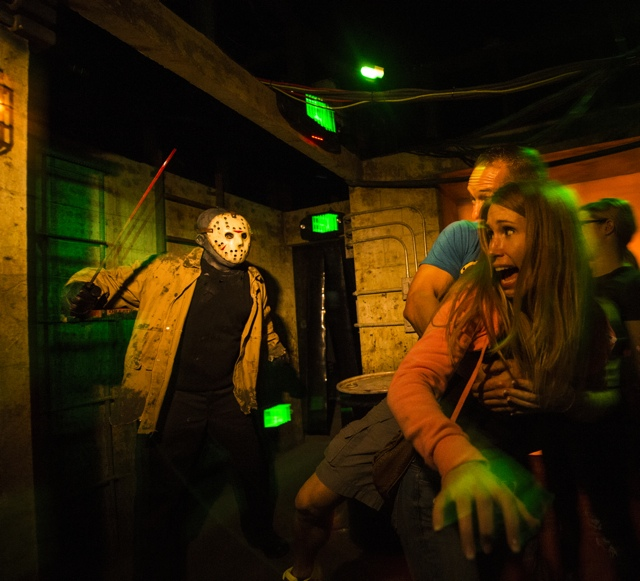 Freddy vs. Jason - Halloween Horror Nights at Universal Orlando Resorts