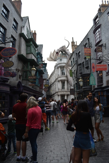 The Wizarding World of Harry Potter Diagon Alley - Universal Orlando Resort VIP Tour Highlights