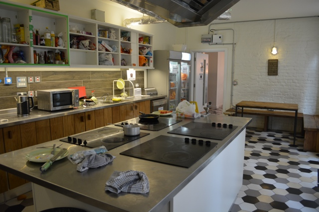 hostel kitchen - Wombat's City Hostel London Review #Video