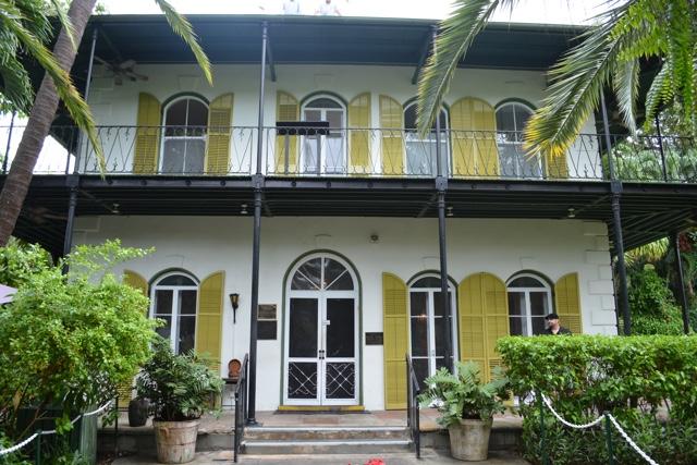 Ernest Hemingway House in the Florida Keys - Ernest Hemingway's Cats - the best part of the Florida Keys?