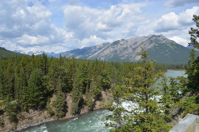 Bow River in Banff - Best Tips for Visiting Banff, Alberta in one day