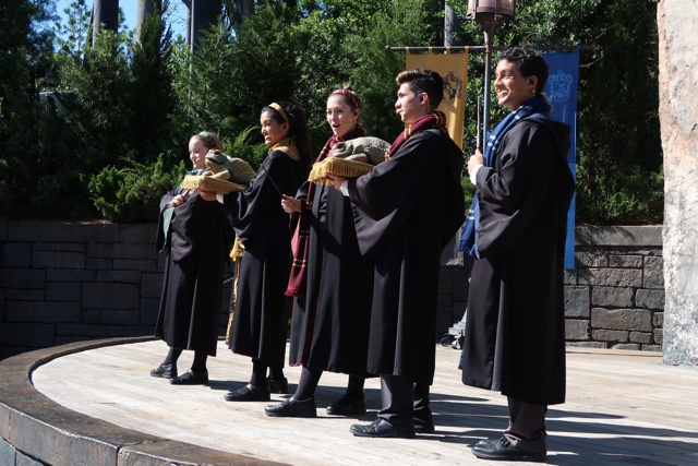 christmas song performance with the Harry potter frog choir at hogwarts - Best Tips for Celebrating the Holidays at Universal Orlando