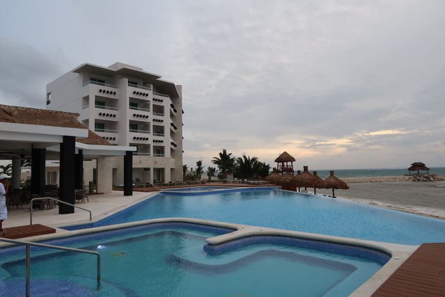 hot tub jacuzzis and infinity pool at Ventus - Ventus at Marina El Cid Spa and Beach Resort Hotel Review