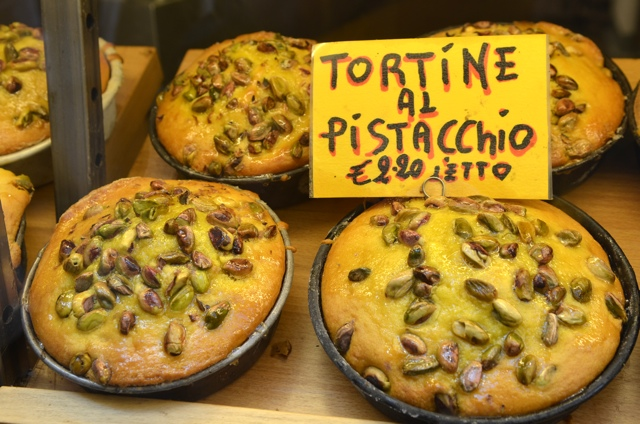 Tortine al pistacchio - Rome Food Tour with Walks of Italy