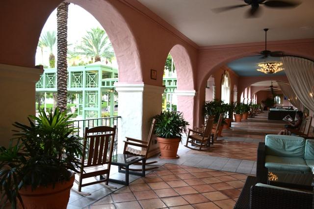 the veranda bar at the Renaissance Vinoy