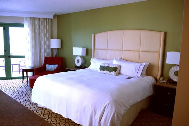 Renaissance Vinoy bedroom