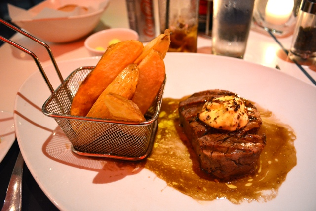 the radisson blu hotel in Cape Town, South Africa tobago's restaurant food