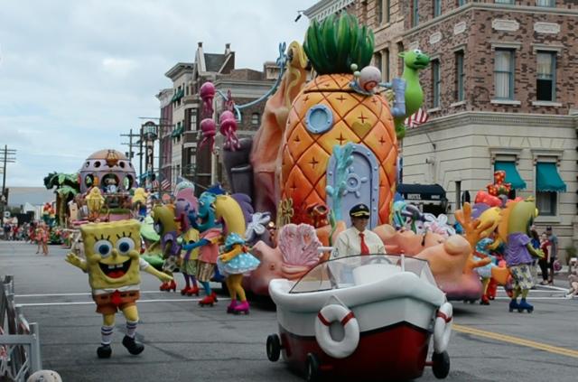 Universal's Superstar Parade Sponge Bob Squarepants - Universal Orlando Resort VIP Tour Highlights
