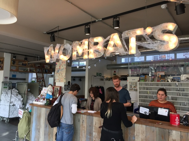 wombat's hostel reception - Wombat's City Hostel London Review #Video