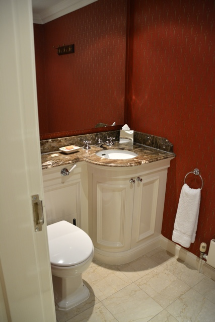 powder room in the penthouse suite - Thorney Court Luxury Apartments Near Kensington Palace
