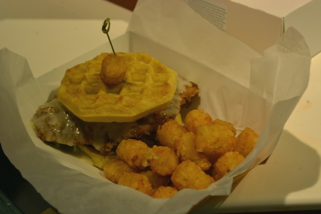 cletus' chicken shack chicken and waffles with maple mayo and tater tots universal orlando