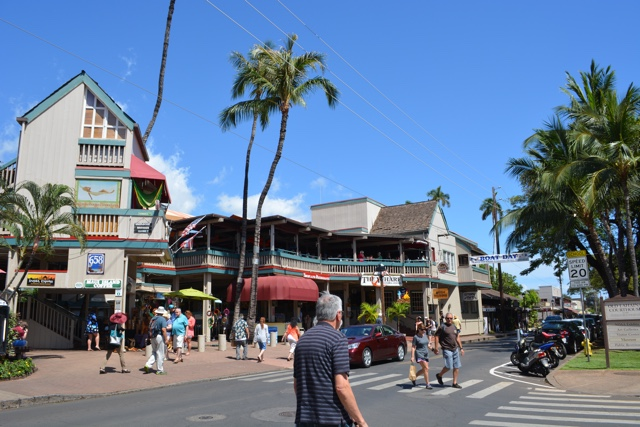 downtown Lahaina in Maui, Hawaii - The Best of Maui and Oahu