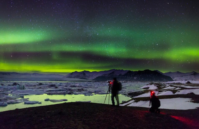 the northern lights in Iceland - photo credit iceland tourism - Reasons to visit Iceland more than once - eordurljos-vid-jokulsarlon-fon-130-1