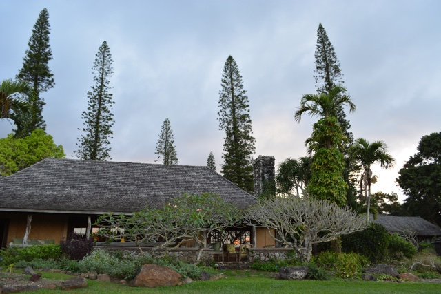 a view of the main lodge building at pu'u o hoku ranch - Best Tips for Visiting Molokai, Hawaii