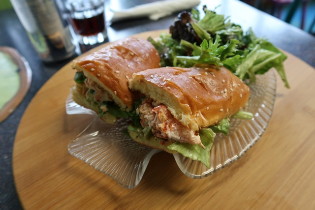 Kiwi cafe lobster roll with dill mayo on a brioche lobster roll from the boulangerie le vendéenne