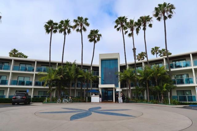 main lobby entrance - Marina Del Rey Hotel Los Angeles Review