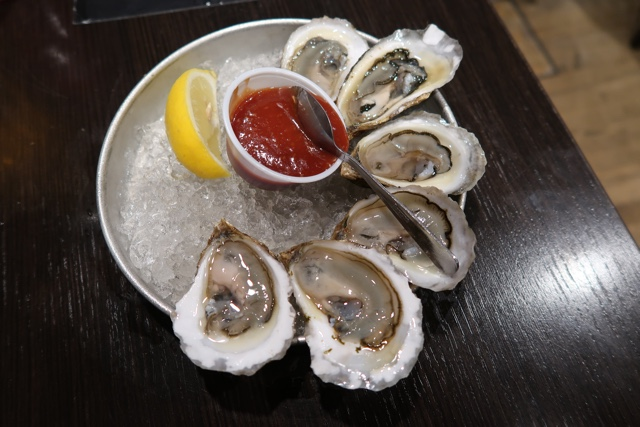 a half dozen buck a shuck pei oysters at the olde dublin pub happy hour