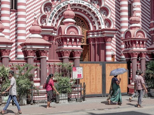 Jami Ul Alfar Mosque colombo sri lanka best things to do in colombo sri lanka